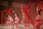 <b>Red Ribbon Dance</b><br/><br/> 				Han Folk style